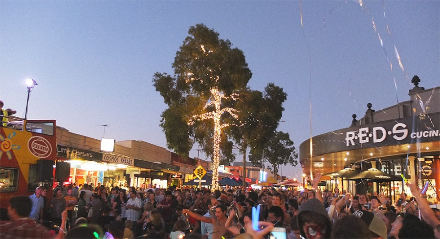 leederville-lights and streamers