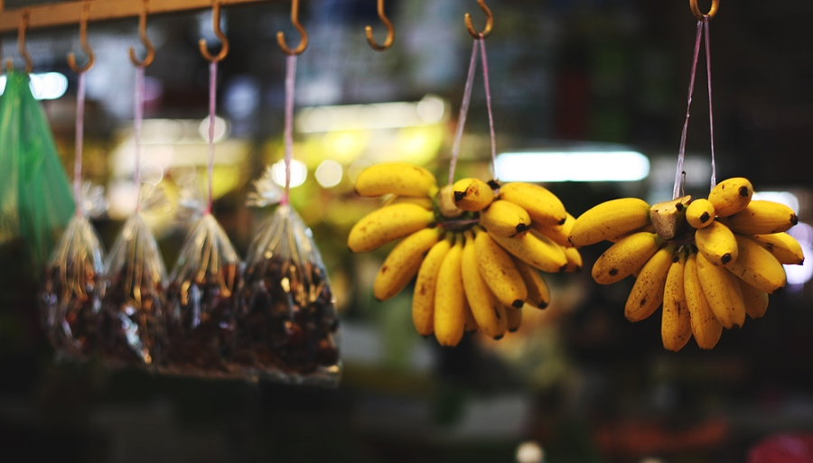 market-bananas